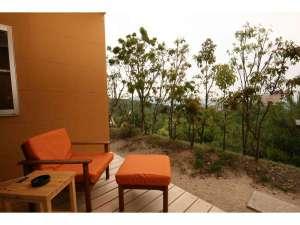 藤ヶ鳴別荘 四季のかばん:四季のかばん裏庭からの景色は格別