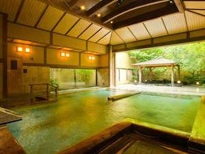 大浴場には露天風呂&サウナも併設しております(写真:大浴場男性)