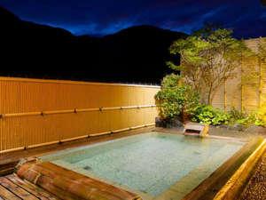 認定5つ星 緑と人の優しさに包まれる癒しの湯宿 たちばなや:貸切風呂露天風呂 「星の湯」