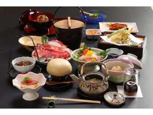 渋温泉 湯本旅館:山の幸を使った郷土料理山に近いのでなるべく海の物は出しませんY_Y
