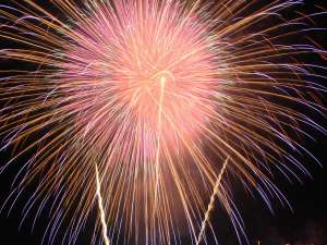 諏訪湖ホテル 上諏訪温泉随一の諏訪湖眺望の宿:諏訪湖は毎日が花火大会!7月23日~8月27日 20時30分より毎日15分間!