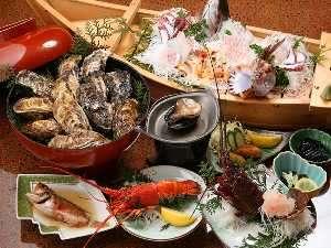 まんぷくプラン1【伊勢海老2匹、鮑1匹】舟盛、会席焼き牡蠣大皿盛り