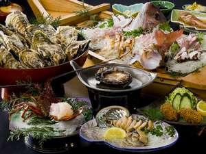 まんぷくプラン2伊勢海老1匹鮑2匹舟盛、会席、焼き牡蠣大皿盛り