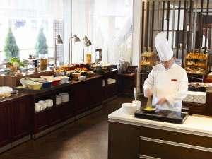 吉祥寺東急REIホテル:朝食バイキング「シェフパフォーマンス・オムレツ」