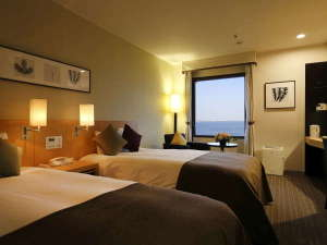 ホテルモントレ横浜:海側スタンダードツインルーム(一例)内装は写真と異なる場合もございます
