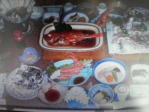 白壁の宿 花宴:新鮮な海鮮がメインの食事(一例)