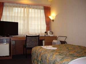 大阪守口プラザホテル大日駅前:シングルルーム。全室に32インチTVと空気清浄機ナノイーをご用意しております。
