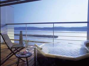 はいふう:対岸から上る朝日を浴びての入浴もオススメ