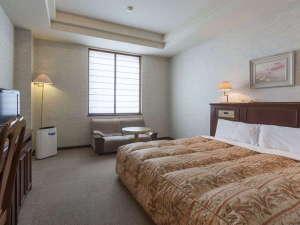 コンフォートホテル小松:1ベッドルーム◆キングハイクラス◆32平米◆大きな190cm幅ベッド1台