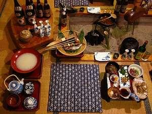民宿 やま久:『夕食』 囲炉裏料理の一部風景 * イメージです *