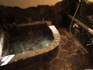 民宿 凱旋屋:天然温泉内風呂