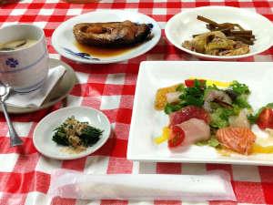 里山体験宿 青雲館:*夕食/季節の恵みを堪能できる、ほっとするような懐かしい田舎料理です!