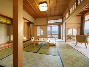 十和田湖を望む絶景の大パノラマ。国内外のVIPも宿泊した特別室は豪奢な造り