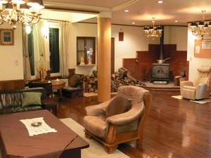 湯ごもりの宿 アダージョ:本館ロビー☆広々したスペースで無料マッサージチェア・マンガあり