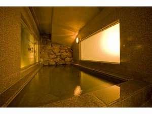 ホテルブリスベンズ:ブリスベンズ1階光明石人工温泉洞窟風呂(男性専用)17時~23時無料で御利用できます。