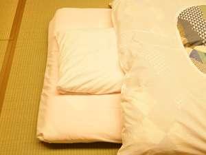 羽、そば、真珠からお選び頂く枕