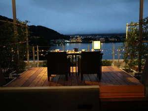 湖のホテル:「二人きり記念日」お部屋でご夕食(和会席)を
