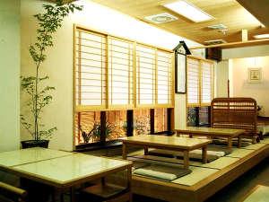 松風荘旅館:お食事処「ゆかり」(食事はこちらで召し上がっていただきます。)