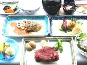 フォアグラ・鮮魚の鉄板焼・三崎鮪お造りと品数豊富なごちそう鉄板焼です。
