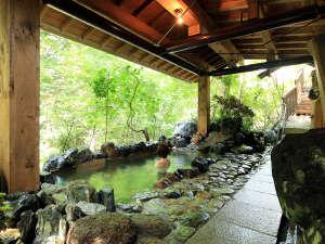 新甲子温泉 五峰荘:まるで大自然の中にいるような錯覚になれる「かじかの湯」イメージ♪