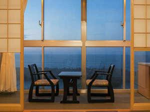 源泉かけながし海彩の湯宿 鷹巣荘:美しい景色にゆったりと寛ぎ