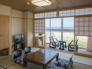 源泉かけながし海彩の湯宿 鷹巣荘:爽やかですがすがしい客室。全室ウオシュレットトイレ・洗面付