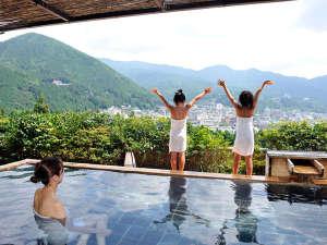 下呂温泉 ホテルくさかべアルメリア:大浴場「花見月の湯」下呂随一の絶景を誇る総檜造り展望露天風呂
