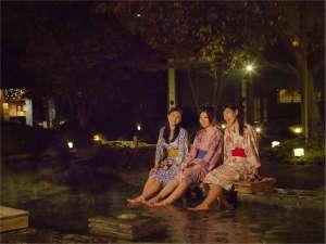お台場 大江戸温泉物語:足湯でのんびり思い出づくり