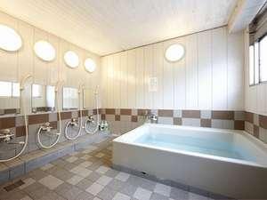 和室ご利用で温泉浴場の利用時間外の方向けに貸切風呂がございます。予約制ですので詳細はフロントまで。