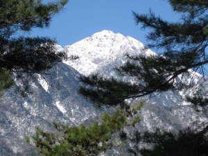薮の湯 みはらし:雪の甲斐駒ケ岳