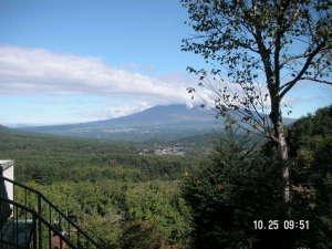 薮の湯 みはらし:部屋からも風呂からの八ヶ岳と甲斐駒ケ岳の眺望が抜群