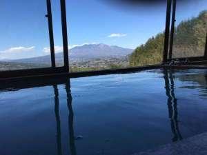 薮の湯 みはらし:八ヶ岳、甲斐駒ケ岳の眺望をお楽しみいただけます。その美しさは息をのむほどです。
