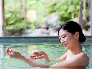 水が織りなす越後の宿 ホテル双葉:【山の湯】眺めの良い露天や洞窟風呂などのお風呂をお楽しみください。