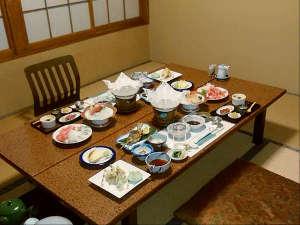 ひなの宿 安楽荘:お食事処と料理の一例