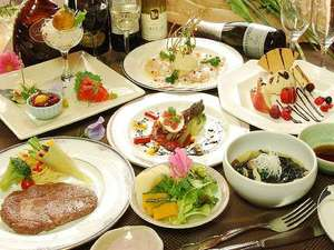 お部屋食で嬉しい!二人で楽しくフルコースディナー♪一例。季節その他の条件で変更があります。
