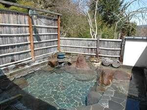 田沢温泉 高楼 ますや旅館 :*【露天風呂】伝説から、子宝の湯「有乳湯うちゆ」と呼ばれています。源泉100%掛け流しで良く温まります