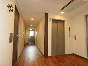 横浜タウンホテル:2階廊下