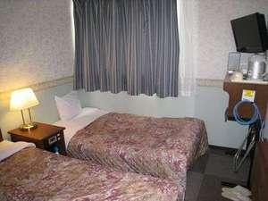二日市グリーンホテル:二人で7,000円(税込)スタジオツイン○ベット一台エキストラベット使用横幅100cm
