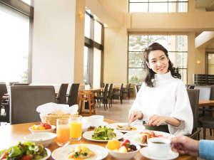 シーサイドホテル舞子ビラ神戸:「夜も朝も料理が美味しいね♪」美味しい料理を前に、朝から会話が弾む♪