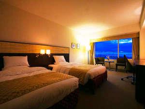 """シーサイドホテル舞子ビラ神戸:■客室最上階ツイン■27㎡。見下ろすパノラマ風景から生まれる""""感動""""をぜひ♪冷蔵庫内飲料無料の特典付"""