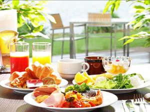玉造温泉 玉造国際ホテル <長楽園グループ>:朝食バイキングでお好きなものを召し上がりいただけます。