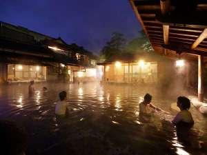 玉造温泉 玉造国際ホテル <長楽園グループ>:長楽園の露天風呂にお入りいただけます。