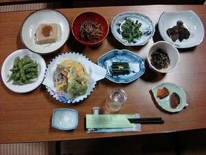 宿坊神林勝金:夕食事メニューですが、時節により内容が変わります。