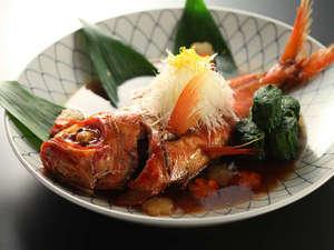 伊豆に来たら是非、食べたい! 金目鯛一尾姿煮