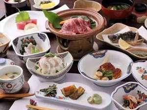 長湯温泉 かじか庵:地元食材が中心の郷土料理。素材や味付けにこだわり、ボリュームはあるけどヘルシーなお食事でございます♪