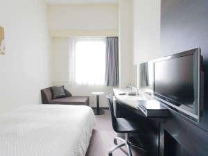アレーホテル広島並木通(旧ホテルかめまん):ゆったり過ごせるダブルルーム♪サータ社製ポケットコイルベッド(ベッド幅140センチ)
