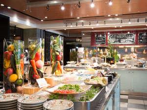 ホテル日航関西空港:「天下の台所」である大阪の朝食を存分に楽しんで頂くために最優先で食品添加物の削減に取り組んでいます。