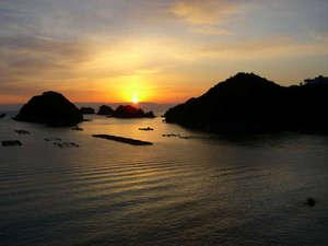 ペンションししくい:徒歩2分の水床湾からは朝日を見ることも
