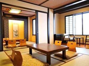 丸山温泉 古城館:絶景の景観が楽しめる二間続き和室