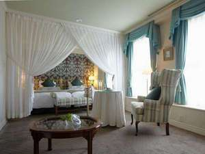 神戸北野ホテル:多彩な客室の中でも最上の心地よさを約束する部屋です。(写真は一例です)